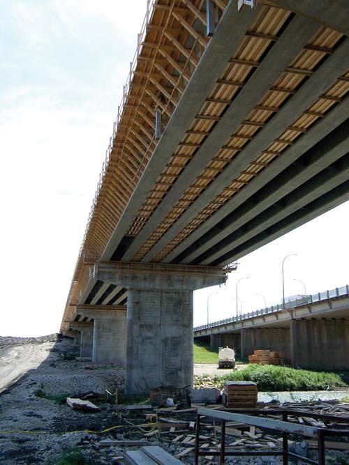 стеклопластиковая арматура при строительстве моста реке Красная