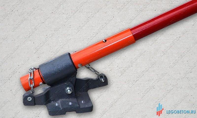 Ручка-удлинитель гладилки для печатного бетона облегченная длинной 1.8 м